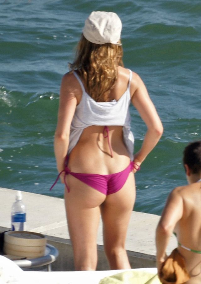 jennifer aniston hot ass